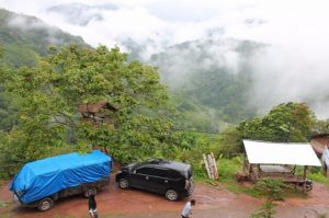 Kampung Di Atas Awan, Pesona Indah Wisata Pesisir Selatan, tapi Jalan Rusak